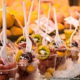 entrega de salada de frutas